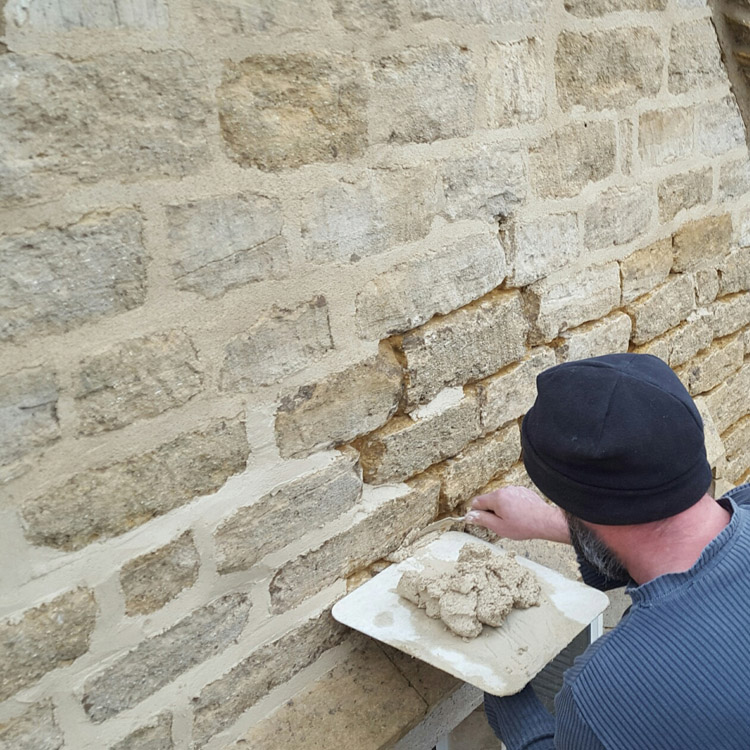 lime-pointing-stroud